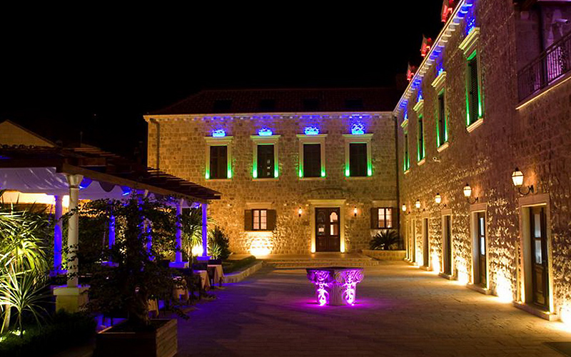 Boutique Hotel Kazbek Dubrovnik by night
